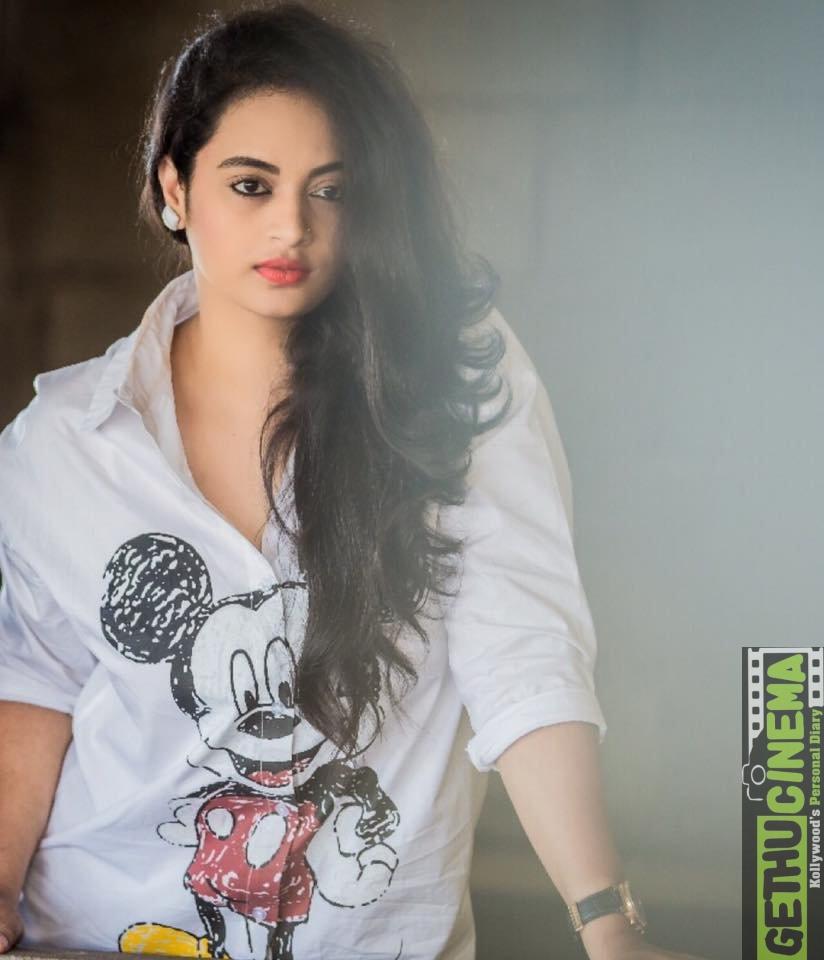 Suja-Varunee-Bigg-Boss-Tamil-25