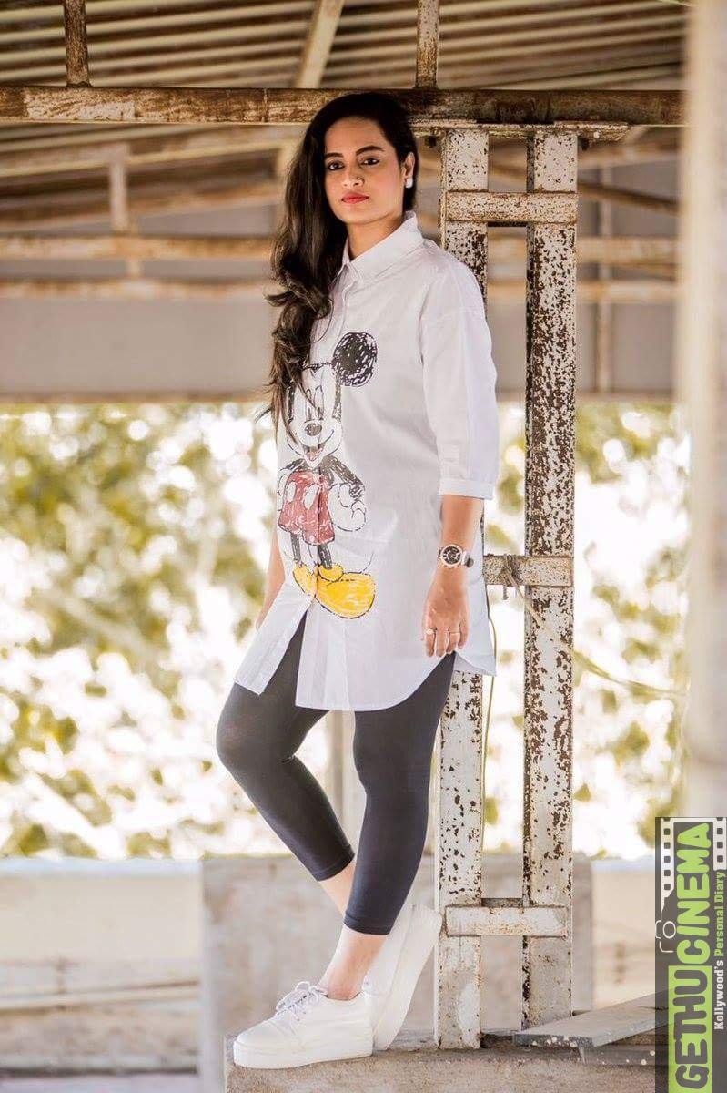 Suja-Varunee-Bigg-Boss-Tamil-5