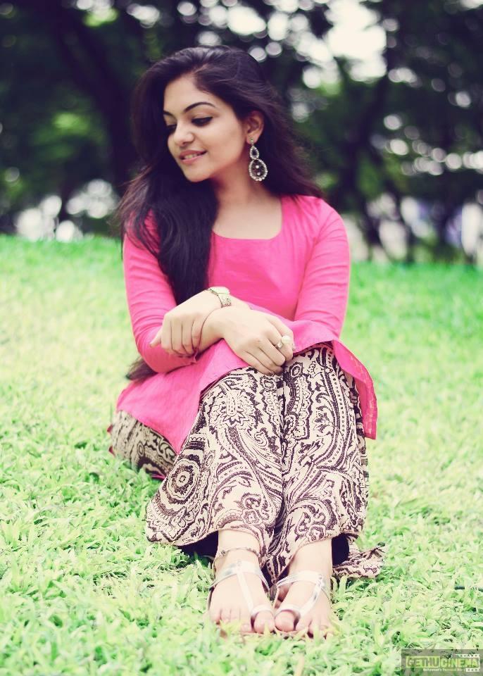Actress Ahaana Krishna Gallery - Gethu Cinema