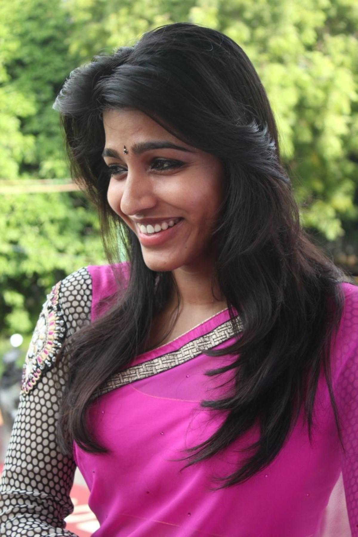 Kabali Actress Dhanshika Rare Pictures - Gethu Cinema
