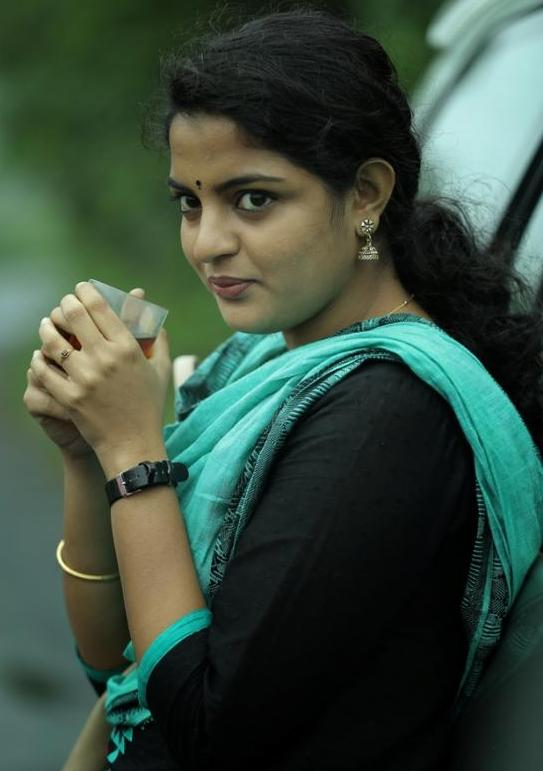 Vetrivel Actress Nikhila Vimal Latest Cute HD Gallery ...