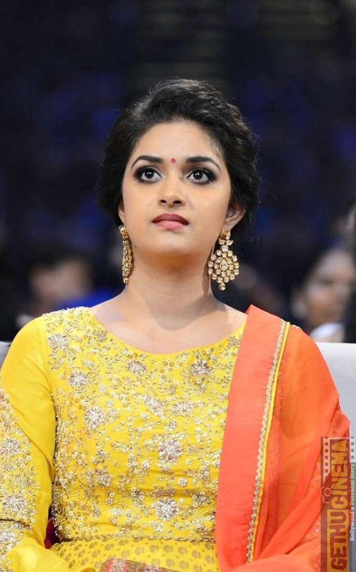 Keerthy Suresh @ SIIMA Awards 2016 Day 2 Function Photos