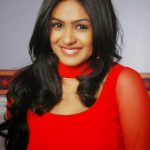 Mrunal Thakur HD Wallpapers Free Download6