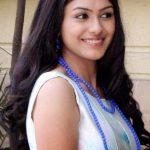 Mrunal-Thakur-cute-smile (1)