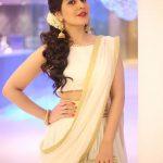 Rashi Khanna (12)