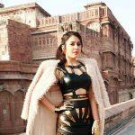Rashi Khanna (30)