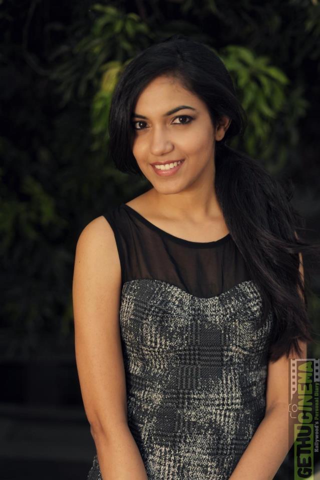 Actress Ritu Varma Gallery - Gethu Cinema