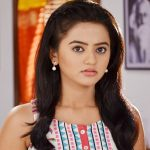 Swaragini-Helly-Shah-As-Swara-Images