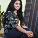 Anupama Parameswaran (6)