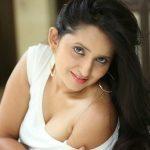 Ishika Singh (9)