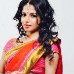 Iswarya Menon (19)