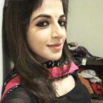 Iswarya Menon (33)