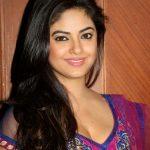 Meera Chopra (17)