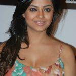 Meera Chopra (20)