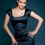 Meera Chopra (27)
