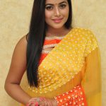 Poorna-gorgeous-looking-photos-004-1