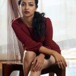Radhika Apte (3)