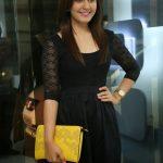Rashi Khanna  (6)
