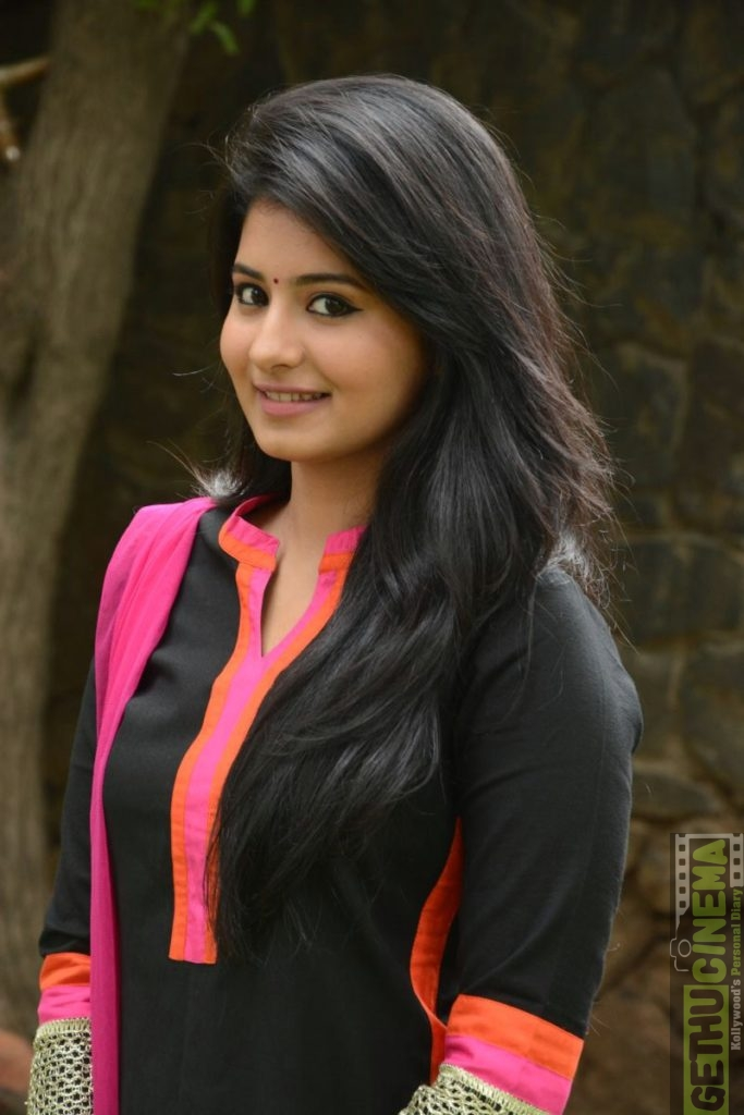 Actress Reshmi Menon Latest Gallery Gethu Cinema