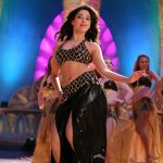 Tamanna-Novel-show-In-Half-Saree-2