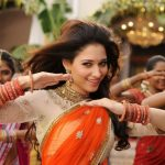 Tamanna-Novel-show-In-Half-Saree-9
