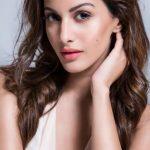 Amyra Dastur (20)