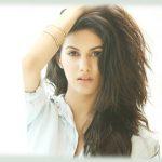 Amyra Dastur (31)