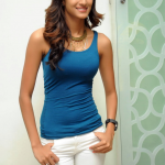 Erica Fernandes (23)