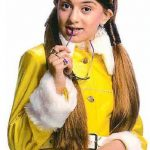Hanshika Motwani childhood photos (6)