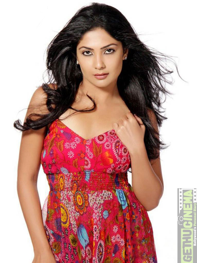 Kamalinee Mukherjee nude (16 foto) Young, 2020, braless