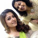 Nayanthara selfie (8)