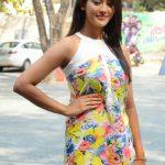 Pooja Jhaveri (26)