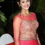 Pooja Jhaveri (28)