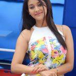 Pooja Jhaveri (39)