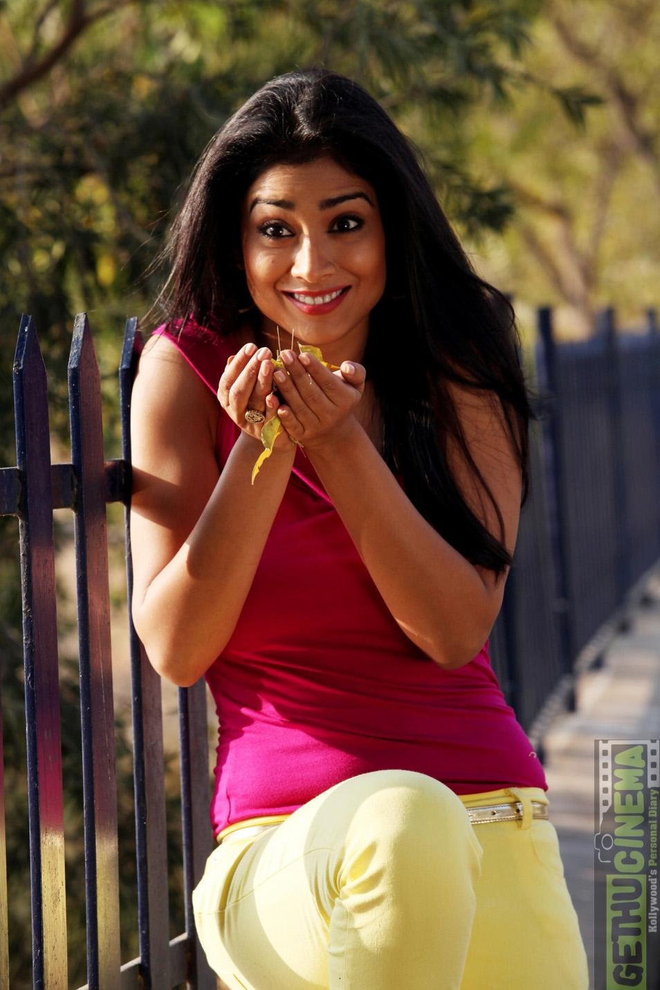 Sideboobs Shriya Saran  nude (69 foto), Facebook, bra
