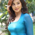 enkitta mothathe audio launch parvathy nair56