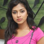Amala Paul in Kadhalil Sodhapuvadu Yeppadi Team Interview
