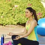 Celebrities Doing Yoga (16)