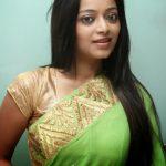 Janani Iyer (20)