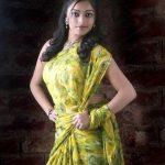 Janani Iyer (23)