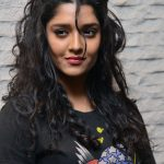 Ritika Singh (2)