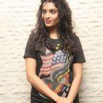 Ritika Singh (7)