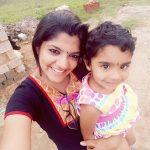 8 Thottakal Heroin Aparna Balamurali (27)