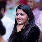 8 Thottakal Heroin Aparna Balamurali (30)