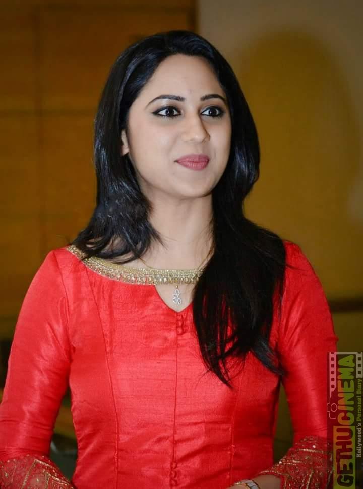 tag miya george tamil actress stills cute smile gallery latest