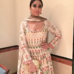 Shriya Saran At Lakme Fashion Week 2017 (3)