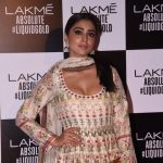 Shriya Saran At Lakme Fashion Week 2017 (4)