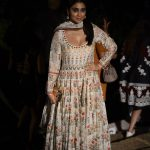 Shriya Saran At Lakme Fashion Week 2017 (5)