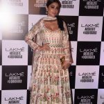 Shriya Saran At Lakme Fashion Week 2017 (6)
