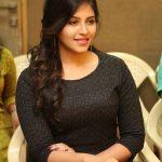 Anjali At Chitrangada  Success Meet Gallery (2)